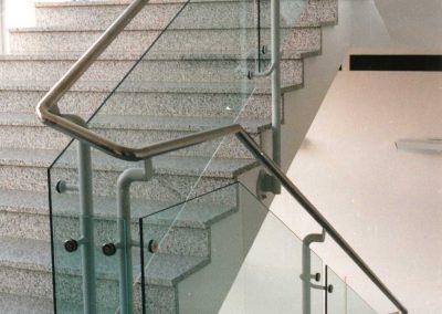 Geländer mit Glasfüllung